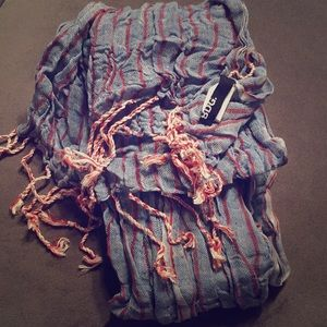 Urban Outfitters: BDG scarf